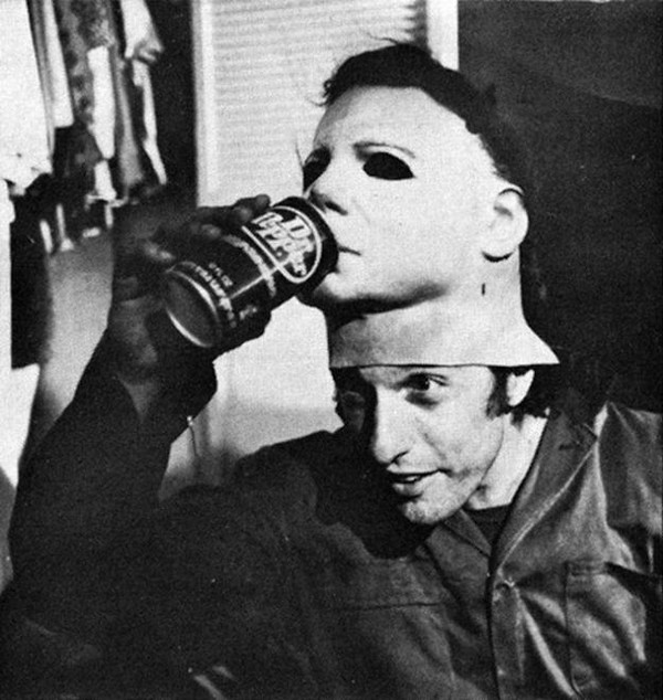 Behind-The-Scenes-of-The-Horror-Movies-halloween