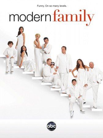 modern-family-tv-show-poster-01