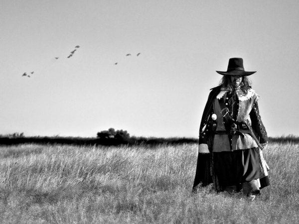 a-field-in-england-2013-001-man-in-wheat-field_1000x750